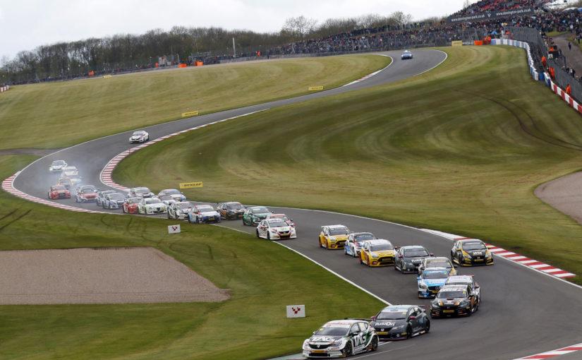 BTCC battle speeds into ultra-fast Thruxton