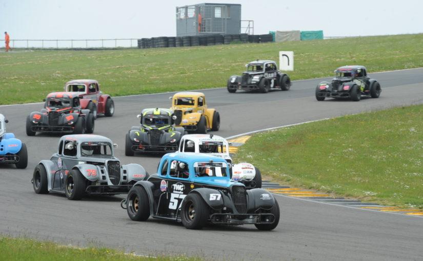 BARC trio set pulses racing at Anglesey